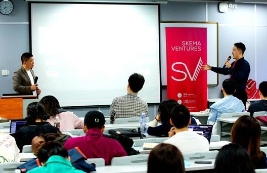 SKEMA China students attend a lecture on 'conflict marketing'